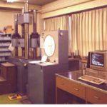 万能材料試験機の自動読み取り装置の開発