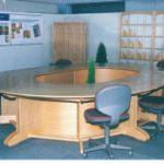 オフィス用ミーティングテーブルの開発